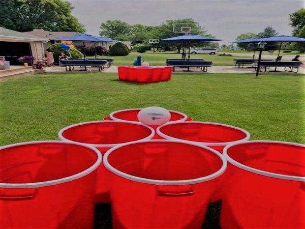 Yard pong game