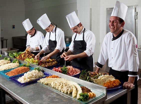 Kitchen Staff Services - Pic 1 - Chicagoland Event Rentals -Wheaton-Chicago-www.ChicagolandEventRentals.com
